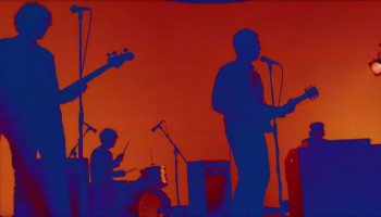 heat-of-the-moment-noel-gallagher-youtube-music-video-2014-750x421